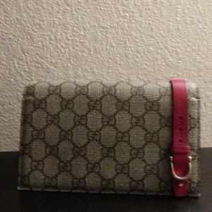 Gucci wallet/purse